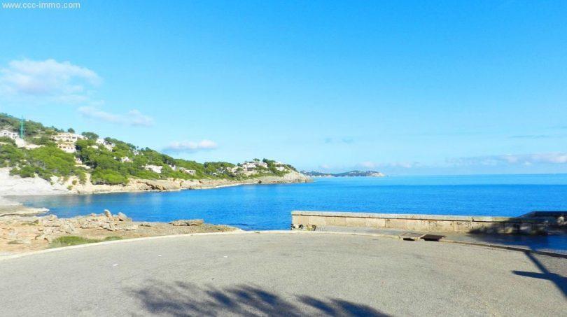 ... bis zur Küste mit diesem wunderschönen Blick.