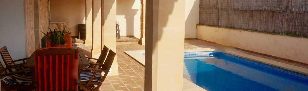 Bild zum Objekt: 140m² Dorfhaus mit 4 Zimmern auf 2 Etagen, Terrasse & Pool