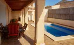 Langzeitvermietung: DH 14 — Elegantes Dorfhaus mit Pool in Ortsrandlage von Ses Salines