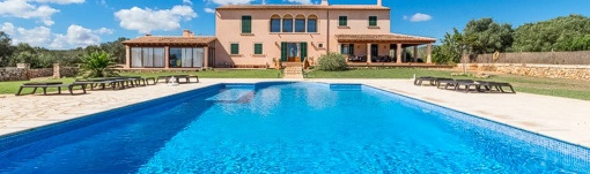 Bild zum Objekt: Finca mit 550m² Wohnfläche: 6 SZ, 3 Bäder, Pool und Garage