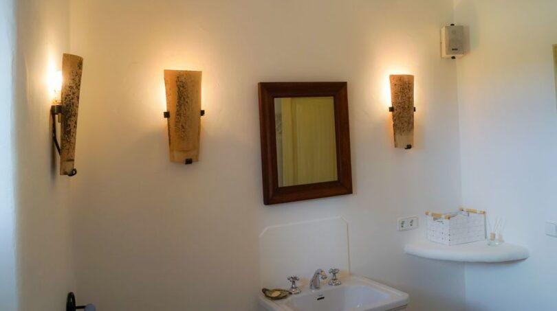 Gäste-Toilette mit Dusche