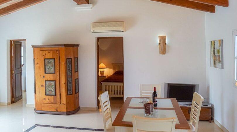 Großzügiger Wohn-/Essbereich im Gästehaus