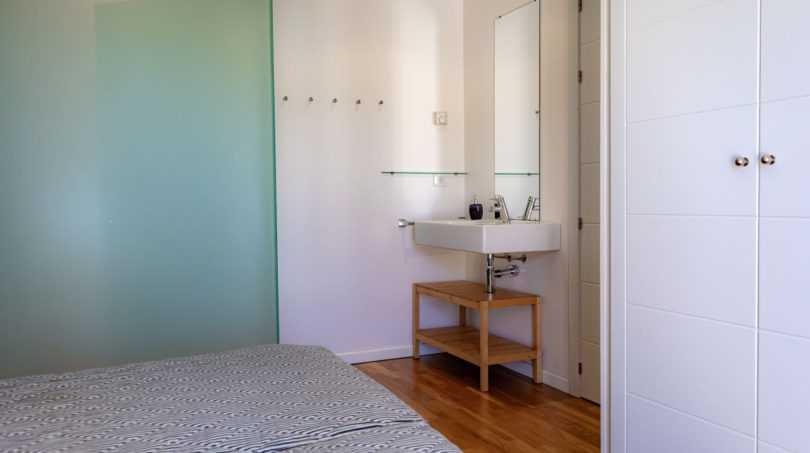 1. OG Schlafzimmer mit Bad en suite