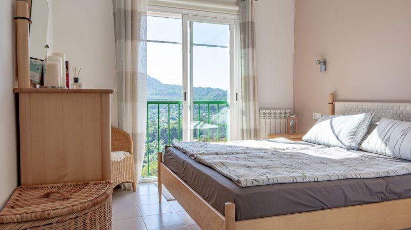 Schlafzimmer mit Blick in die Ferne
