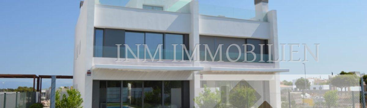 Bild zum Objekt: 203m² DHH zum Verkauf mit 5 Zimmern, 4 Bädern, Garten & Pool