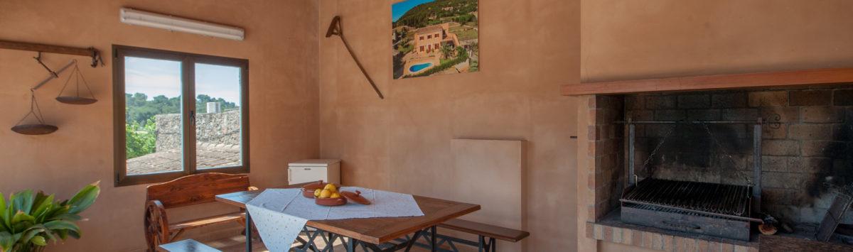Bild zum Objekt: Finca mit 4 Zimmern, Ölzentralheizung und Pool zur Miete