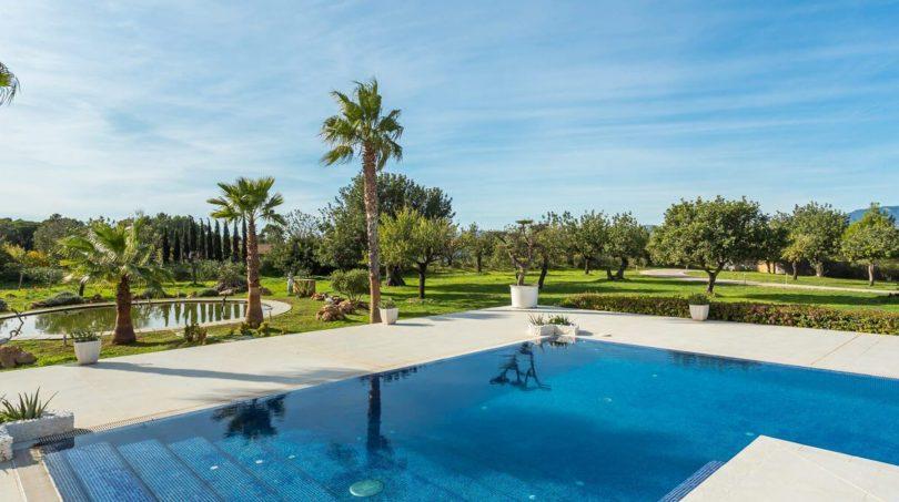 Garten und Pool