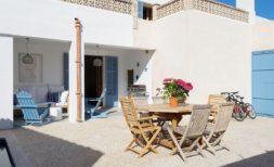 Liebevoll renoviertes Dorfhaus mit Pool in Colonia Sant Pere