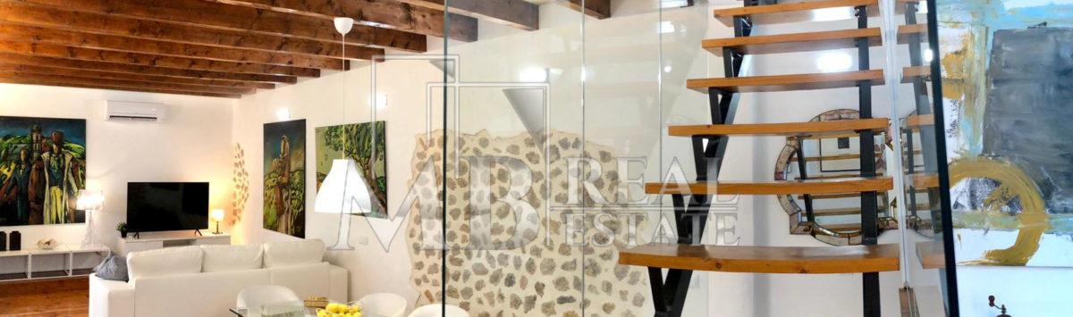 Bild zum Objekt: 145m² Mietwohnung mit 2 Zimmern, 2 Bädern und Terrasse