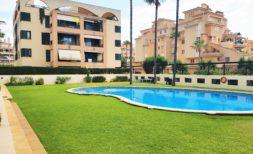 Schöne Etagenwohnung mit Balkon in Sa Coma sofort zu verkaufen