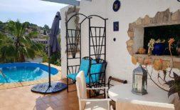 Chalet mit Pool in Cala Romantica mit Ferien- Vermietungslizenz  zu verkaufen