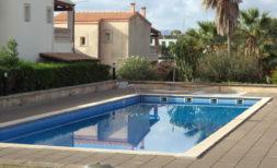Schickes Reihenhaus mit Garten und Gemeinschaftspool in Cala Mandia
