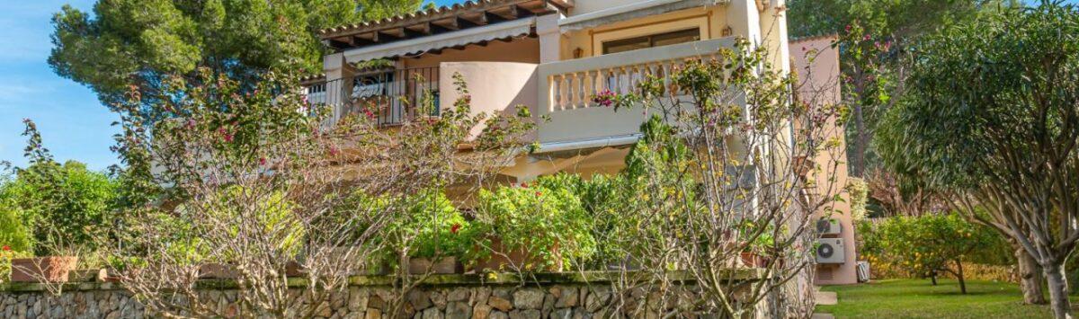 Bild zum Objekt: 324m² Haus zum Verkauf: 7 Zimmer, 5 Bäder, Terrassen & Pool