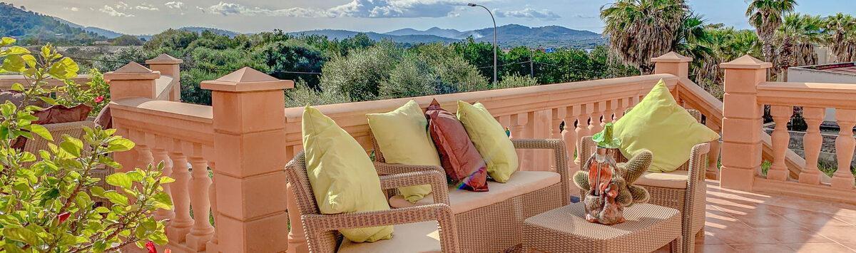 Bild zum Objekt: 377m² Dorf-Palast mit 6 SZ, 6 Bädern & 4 Terrassen zum Verkauf