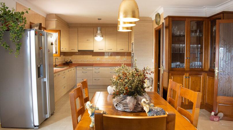 Offene Küche im Obergeschoss...