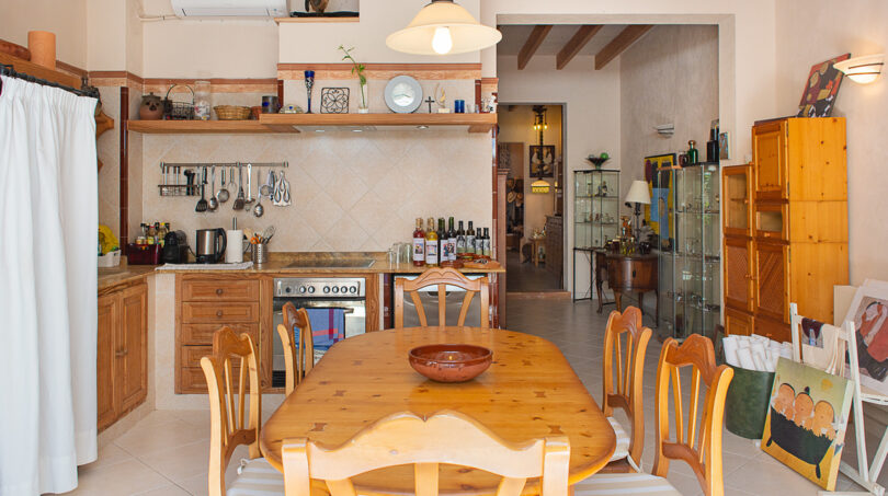 Küche mit Essplatz,...