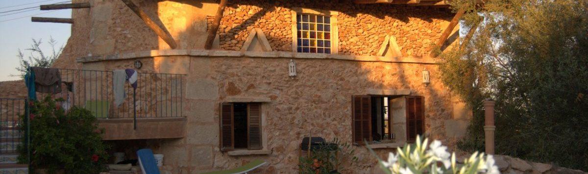 Bild zum Objekt: Finca mit 8 sep. Wohnungen (15 SZ & 15 Bäder) zum Verkauf