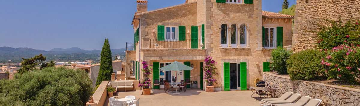 Bild zum Objekt: 430m² Herrenhaus zum Verkauf: 13 Zimmer, 4 Bäder, Garage, Pool